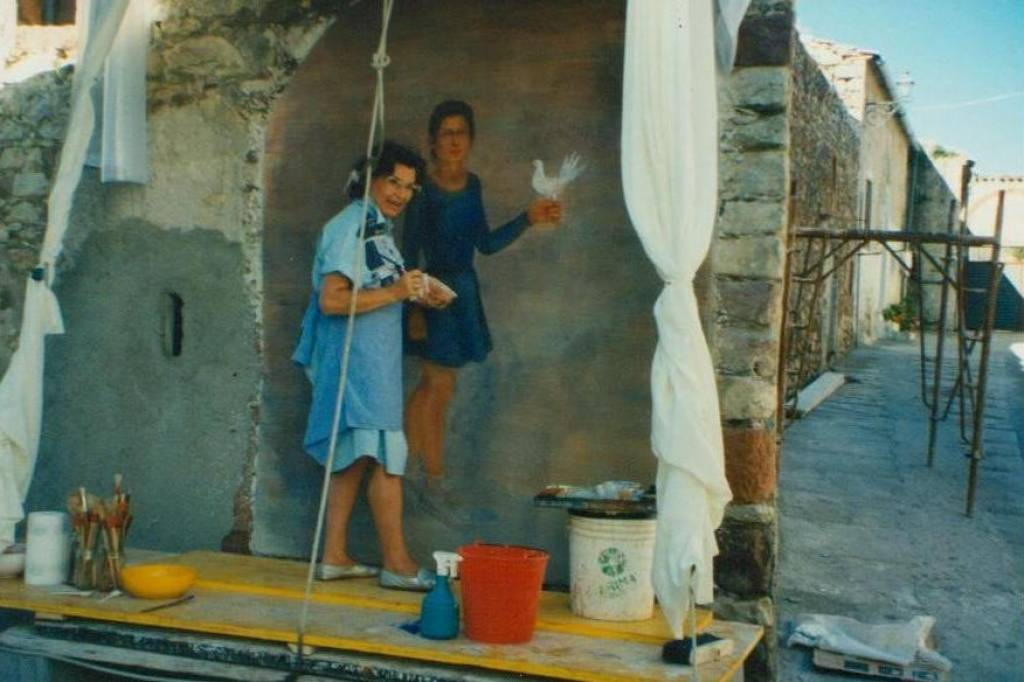 Affresco sul muro in strada a Banari, Sardegna