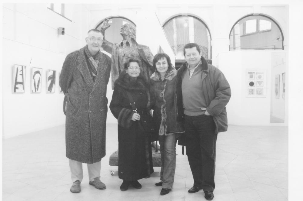 Praga, alla Galleria di Milo Smolak co la moglie Alena e