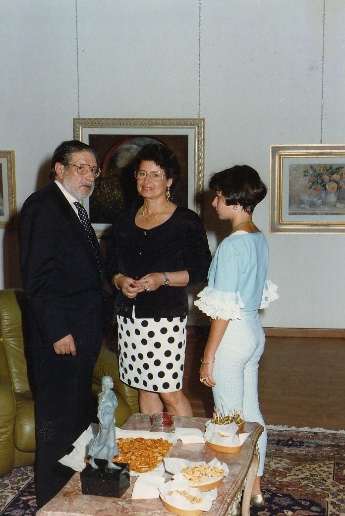 Fiuggi Inaugurazione della personale di pittura e scultura da Russo e Russo. Con il mio manager Giovan Battista Remo  Bianco e la figlia Ginestra