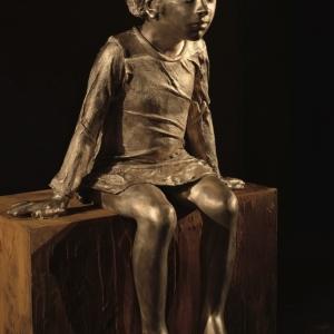 Bambina che osserva - Bronzo, h 82 cm